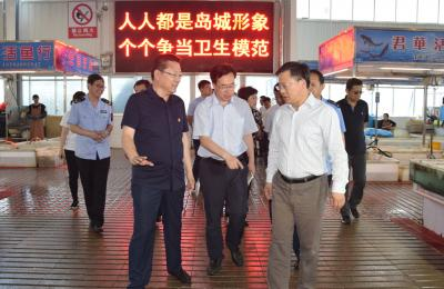 城阳区委副书记、区长李红兵莅临城阳批发市场调研创建国家卫生城市复审工作