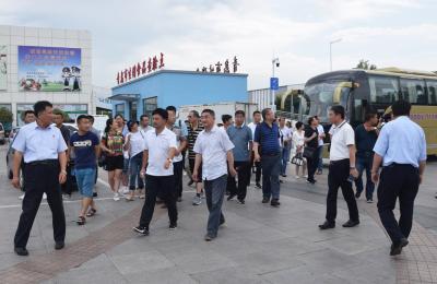 甘肃省陇南市成县总工会东西对口合作考察团莅临城阳批发市场考察