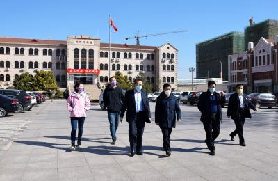 城阳区政协副主席于华文莅临城阳批发市场指导疫情防控和复工复产工作